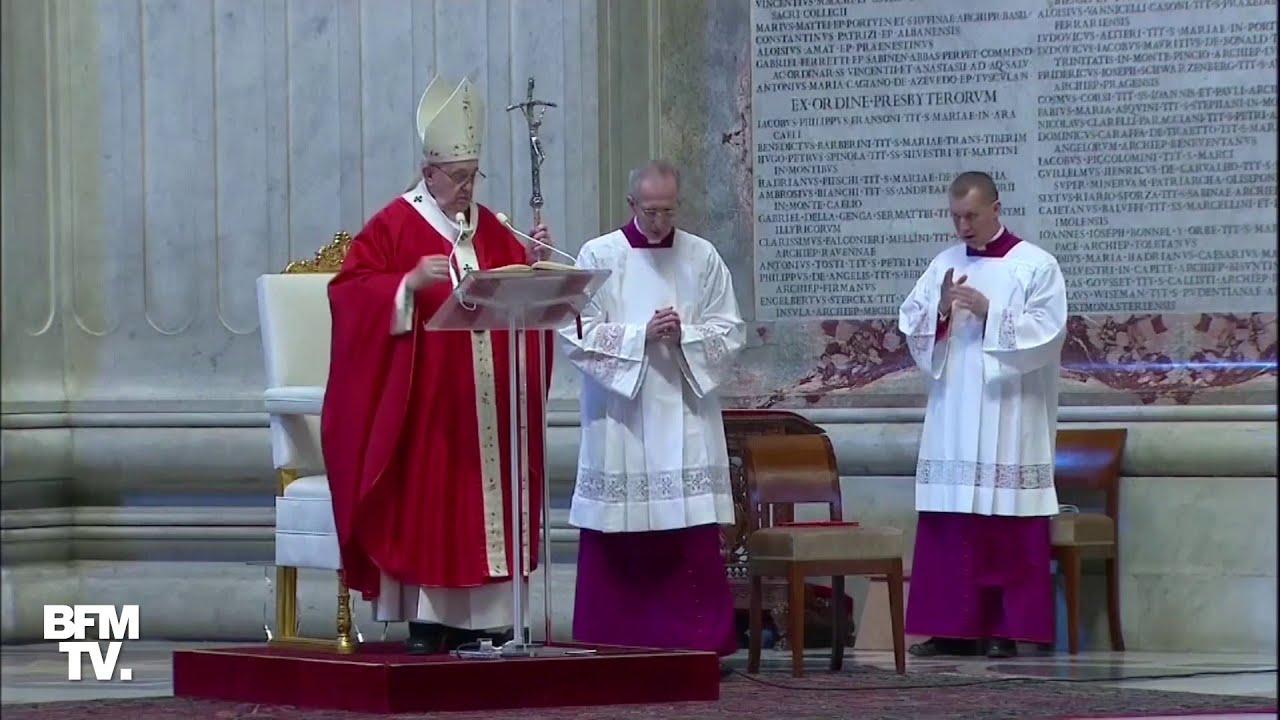Coronavirus: le pape François célèbre la messe des Rameaux dans une basilique Saint-Pierre vide