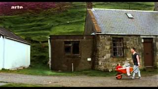 Little red hoodie - Joern Utkilen