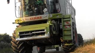 Traktory John Deere a Kombajny Claas (Oragro) /HD/
