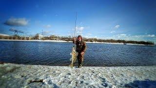 Бюджетний джиговый спінінг або риболовля на нижній Москві-річці.