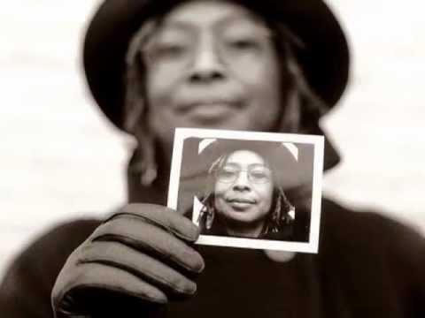 Alice Walker Bio - Global Exchange Human Right Award 2007 (by Abyayalapro.com)