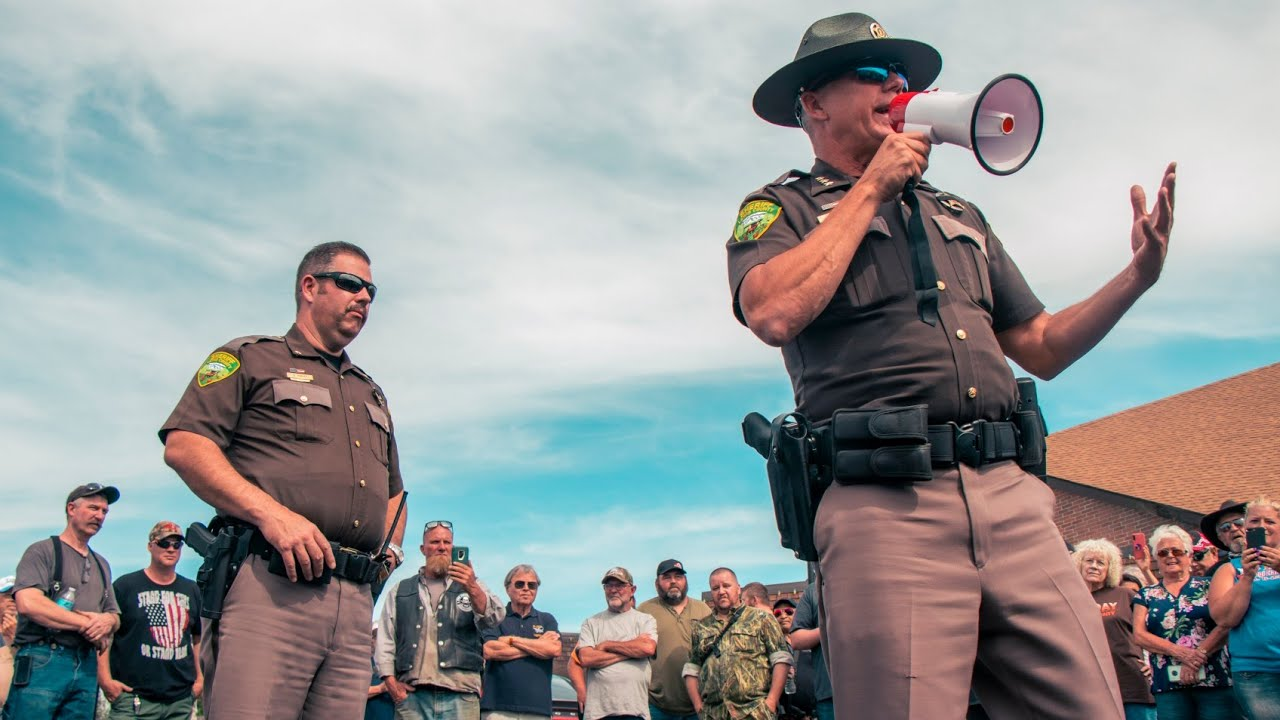 Lewis Co. Sheriff Adresses Crowds at the Hamilton Sign - Denouncing Inslee's Mask Order [FULL VIDEO]
