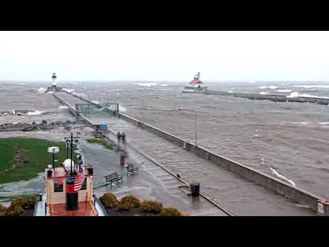 Big Winds And Big Waves In Canal Park