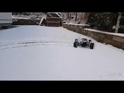 Slow motion snow drifting  kyosho psycho kruiser