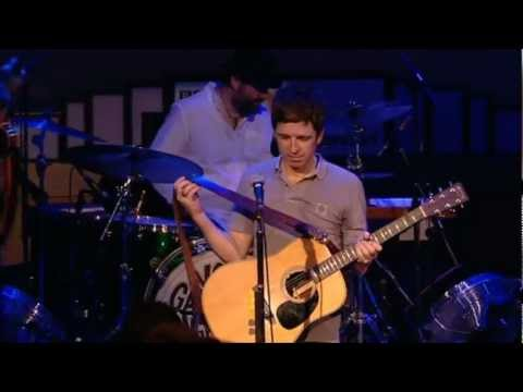 Noel Gallagher's High Flying Birds - Half The World Away (Live @ BBC Radio Theater 2011)