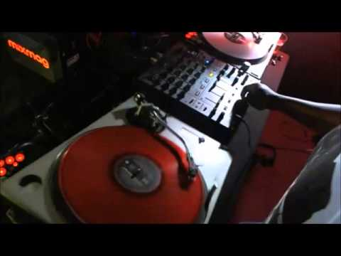 DJ Marky - Upside-Down-Scratching