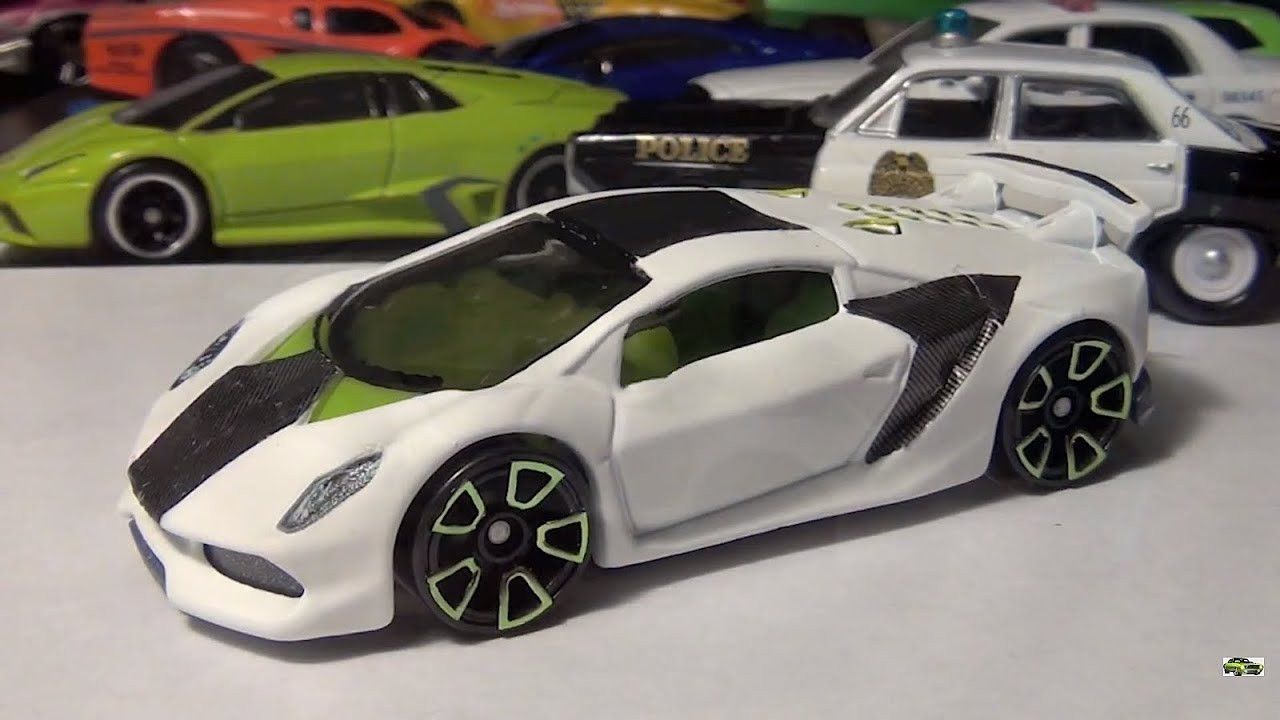 Hot Wheels Custom Made Lamborghini Sesto Elemento Carbon Fiber