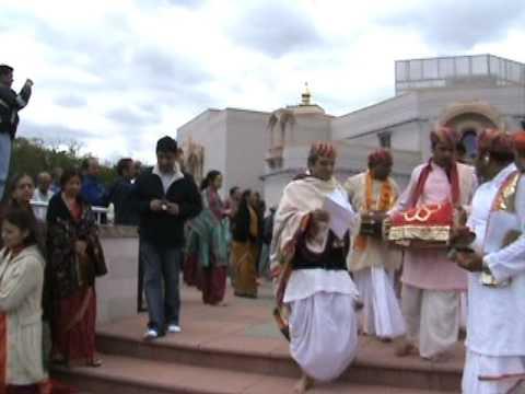 Shree Yamunaji 41 Pad - Shree Yadunathji (Kadi, Ahmedabad)  VRAJ, PA (USA) Clip-8