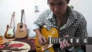Ria con với ghita điện