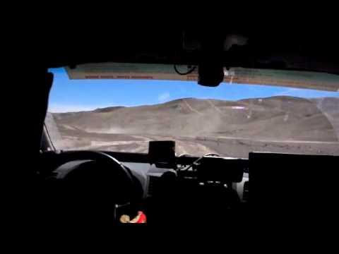 Ambiances dans la voiture des recos du Dakar