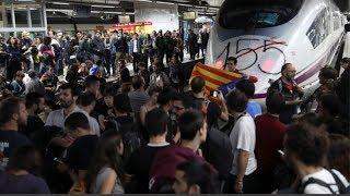 LOS VIOLENTOS SEPARATISTAS CORTAN LAS PRINCIPALES CALLES DE BARCELONA