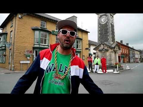 Goldie Lookin Chain - FEAR OF A WELSH PLANET