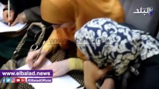 فيديو وصور..ورشة عمل عن رسم الفخار الأثري في متحف رشيد الوطني