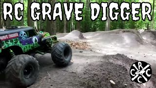 RC Grave Digger Monster Truck Big Air Bashing