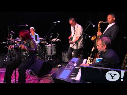 Hugh Laurie - St. James Infirmary 2011- (NEW) - Yahoo! Music