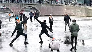 Ice Skating on Amsterdam Canals 2018
