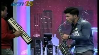 indonesia idol (yogyakarta) M. YUSUF NUR  UBAY dengan suara saxo phone super emas !!