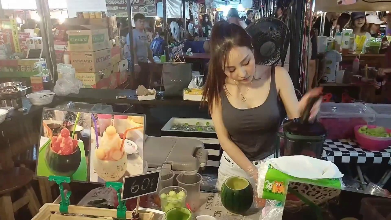 SEXY GIRL SELLING MELON SMOOTHIE