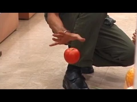 STREET DEMON MAGIC  - Cyril Levitating Apple & Bills - Blowing Minds 2