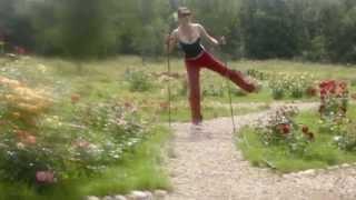 Скандинавская ходьба: Упражнения на бедра