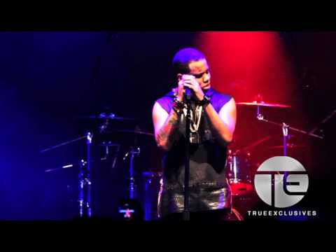 "Mack Wilds Performs D'Angelo's ""How Does It Feel"" LIVE"