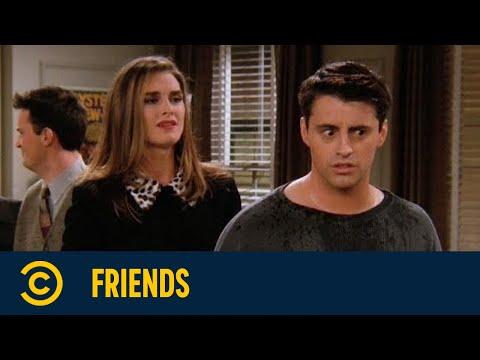 Joeys Freundin glaubt, dass er wirklich Dr Drake Ramoray ist | Friends | Comedy Central Deutschland