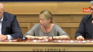 MELONI: NON VOGLIO MORIRE RENZIANA, SOGNO UN CENTRODESTRA CHE POSSA GIOCARSELA thumbnail