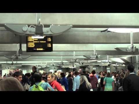 (HD)Travel to UK,Westminster tube station-London 英国の地下鉄
