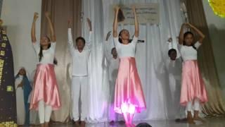 Coreografia em homenagem a Nossa Senhora Aparecida