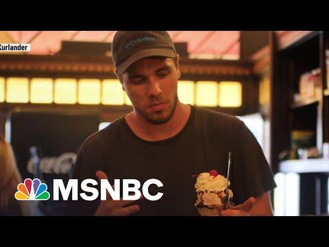 Ice Cream Shop Raises Minimum Wage, Flooded With Job Applications