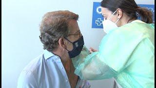 Feijóo recibe su primera dosis de AstraZeneca