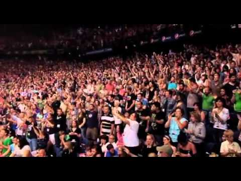 Spontaneous Worship Live in Chicago JesusCulture