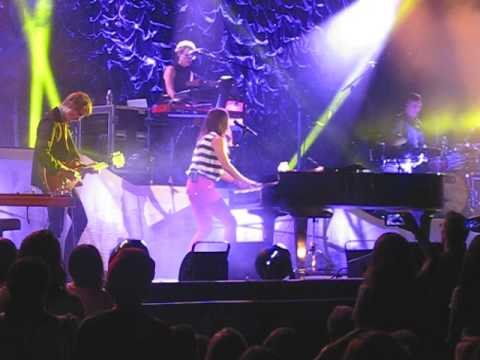 Sara Bareilles-Manhanttan, Uncharted, Eden and I Choose You (San Diego, CA)