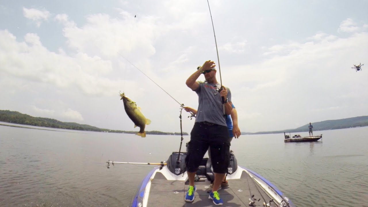 Gopro gerald swindle and shaye baker powerboat fishing for Best gopro for fishing