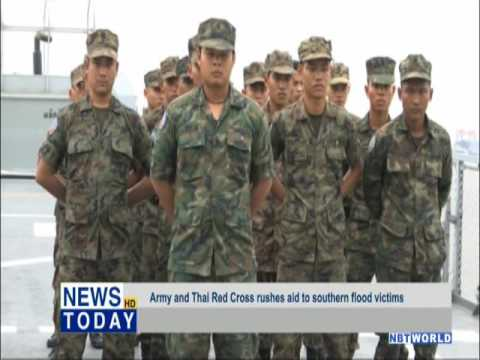 Army and Thai Red Cross rush aid to southern flood victims