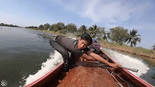 Longtail boat racer reaches speeds of 100kmh on modified craft