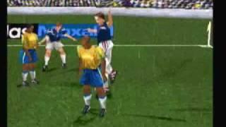 Agresion a Ronaldo en Adidas Power Soccer 98