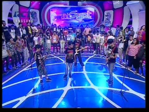 Lucky Laki - Angin Live Performed di Dahsyat (17/06) Courtesy RCTI