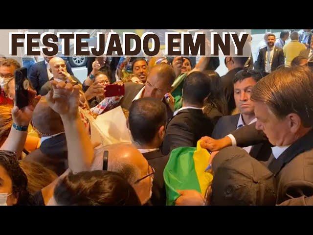 sddefault Isso 'eles' não mostram: A emocionante recepção de brasileiros a Bolsonaro, após discurso histórico (veja o vídeo)