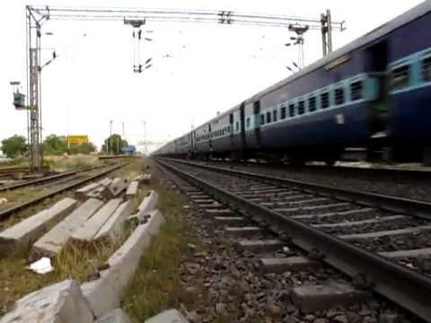 IRFCA 14083 Alipur Duar Jn Delhi Mahananda Express at high speed