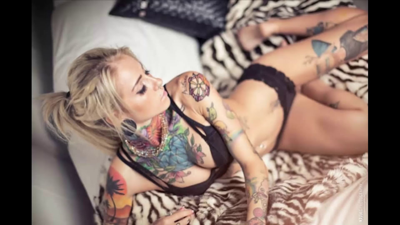 Tattood sexy girl