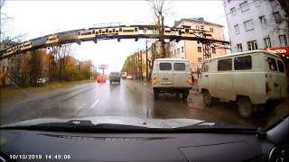 УАЗ УАЗу сломал зеркало. Архангельск.