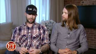 Adam Levine & James Valentine (Maroon 5) reflect on 10 Years of Fame with ET (05/17/2012)