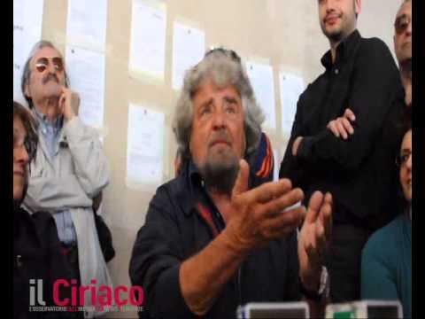 Beppe Grillo visita il Centro per l'autismo di Avellino: è la solita storia all'italiana