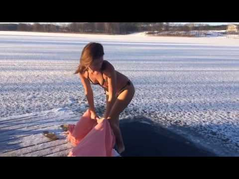 Ice water diving -15 C
