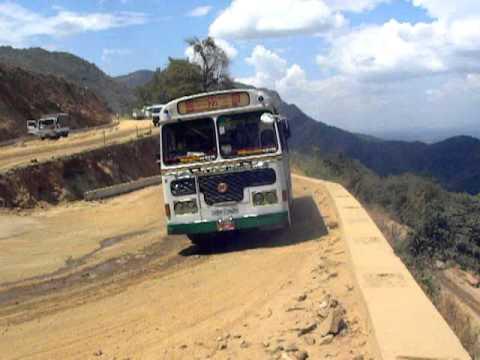 18 Bends Mahanuwara(Kandy) - Mahiyanganaya road 1