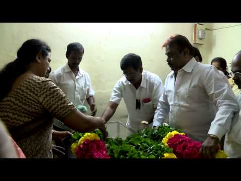 Vijayakanth Visits His Deceased Younger Brother in Chennai - Red Pix 24x7