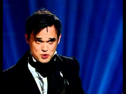 Gareth Gates sings Empty Chairs at Empty Tables on Alan Titchmarsh show