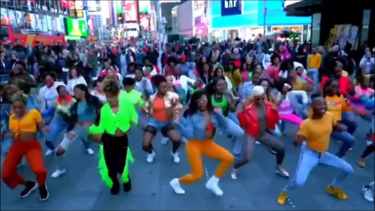 Before I Let Go Challenge in Times Square - Beyonce #BeforeILetGoChallenge