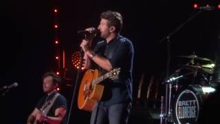 Brett Eldredge Sings New Song 34 The Long Way 34 Live At Cma Fest